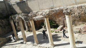 Roman columns - Cardo street